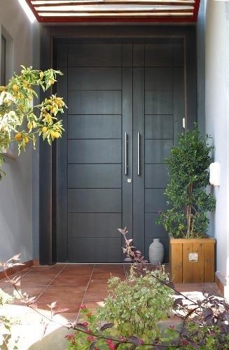 דלת כניסה עץ מלא